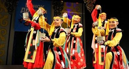 Ensemble academique national de chants et danses à Martigues
