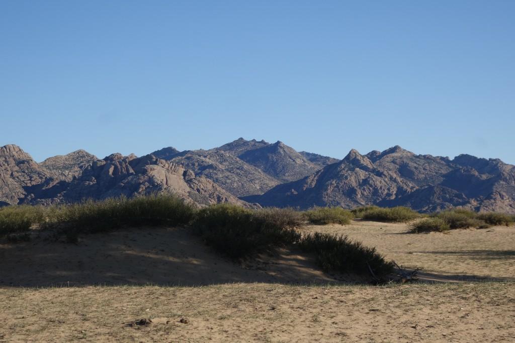Les dunes d'Elsen Tasarkhai et les Monts Khogno Khan